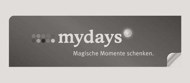 Schwarzweiß Logo der mydays GmbH.