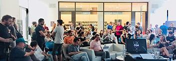 Bild von Personen, die an der UXCGN teilnehmen.