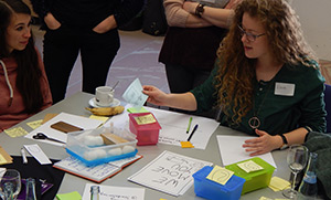 Bild von mehreren Personen, die an der German UPA Winterschool teilnehmen.