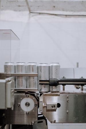 Produktionsstraße zur Fertigung von Getränkedosen